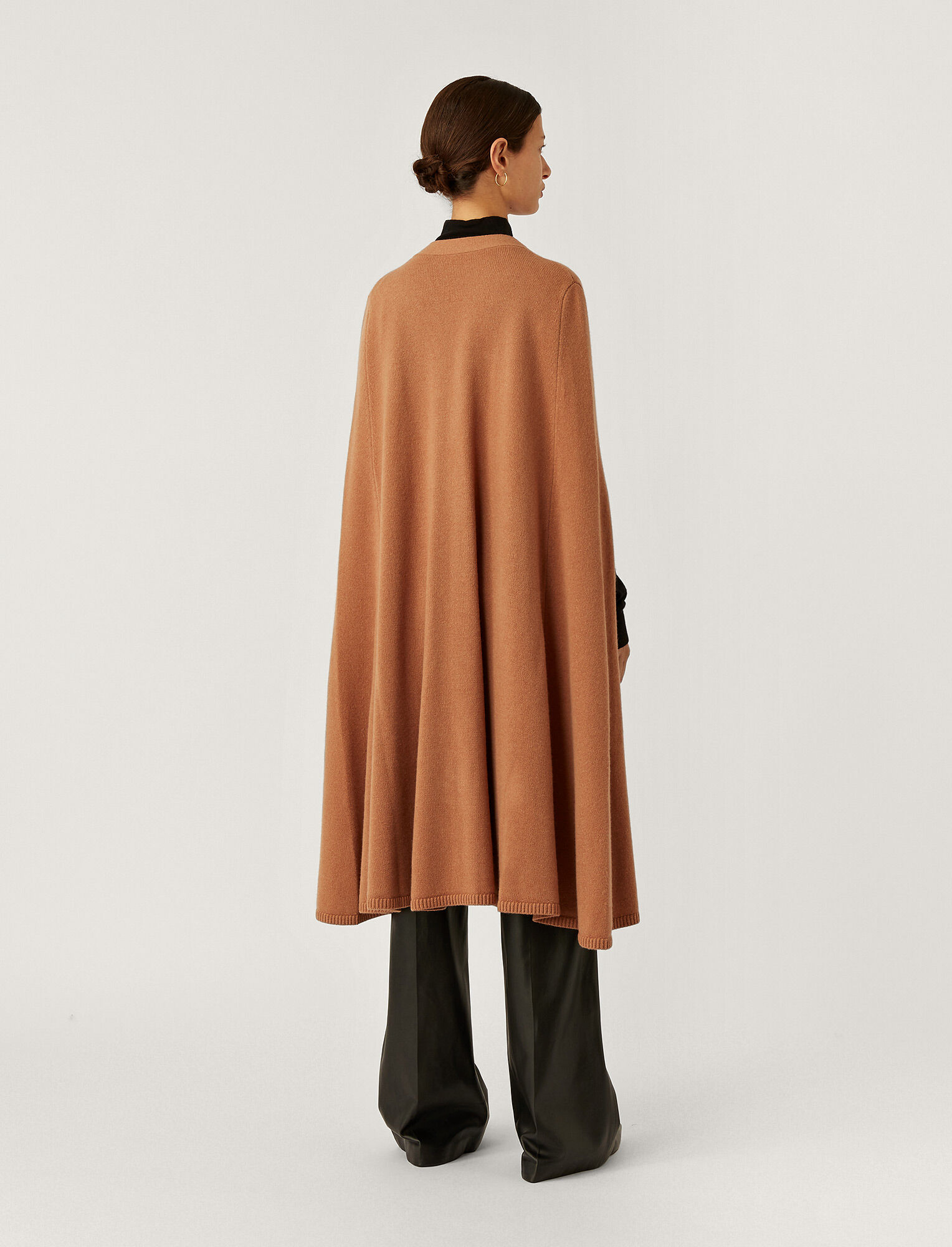Joseph, Cape Soft Wool Knit, in Cognac