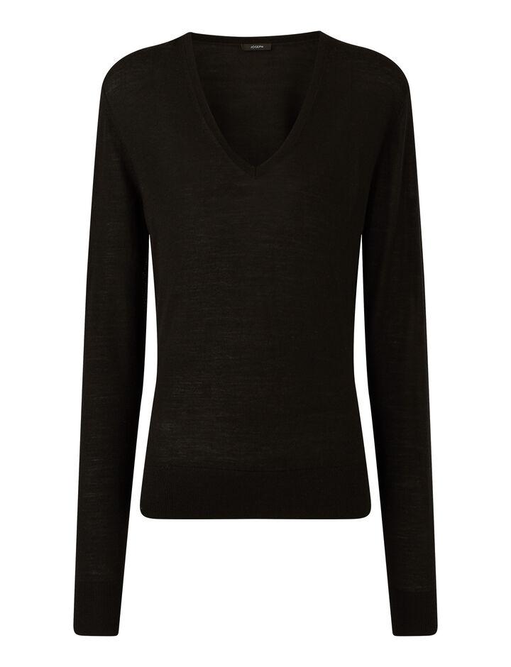 Joseph, V Nk Ls Fine Merinos Knitwear, in Black