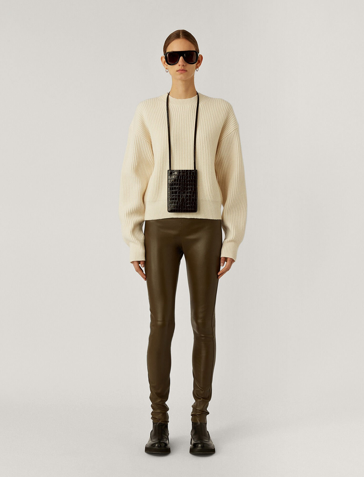 Joseph, Leather Stretch Legging, in Moss